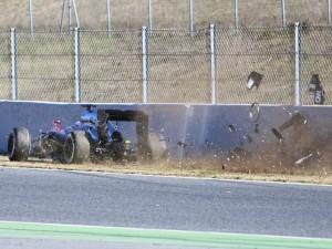 Alonso Barcelona test crash