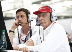 Niki Lauda and Toto Wolff. Mercedes F1 team bosses.