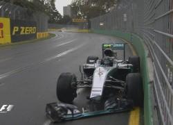 Rosberg crashes in FP2 ahead of the Australian Grand Prix